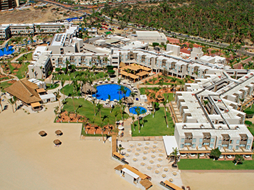 Bars and Restaurants at Holiday Inn Resort Los Cabos, San Jose del Cabo