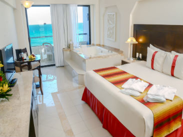 Services and Facilities at Crown Paradise Club, Cancun