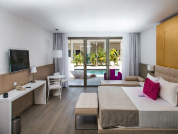 Services and Facilities at Platinum Yucatan Princess All Suites Resort & Spa, Playa del Carmen