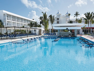 Rooms and Amenities at Riu Bambu, Punta Cana