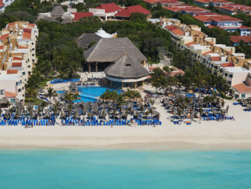 Weddings at Viva Wyndham Maya, Playa del Carmen