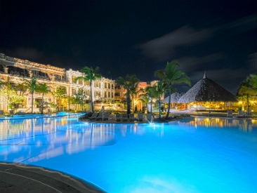 Bars and Restaurants at AlSol Luxury Village, Playa Juanillo, Cap Cana