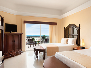 Bars and Restaurants at Gran Porto Resort & Spa, Playa del Carmen